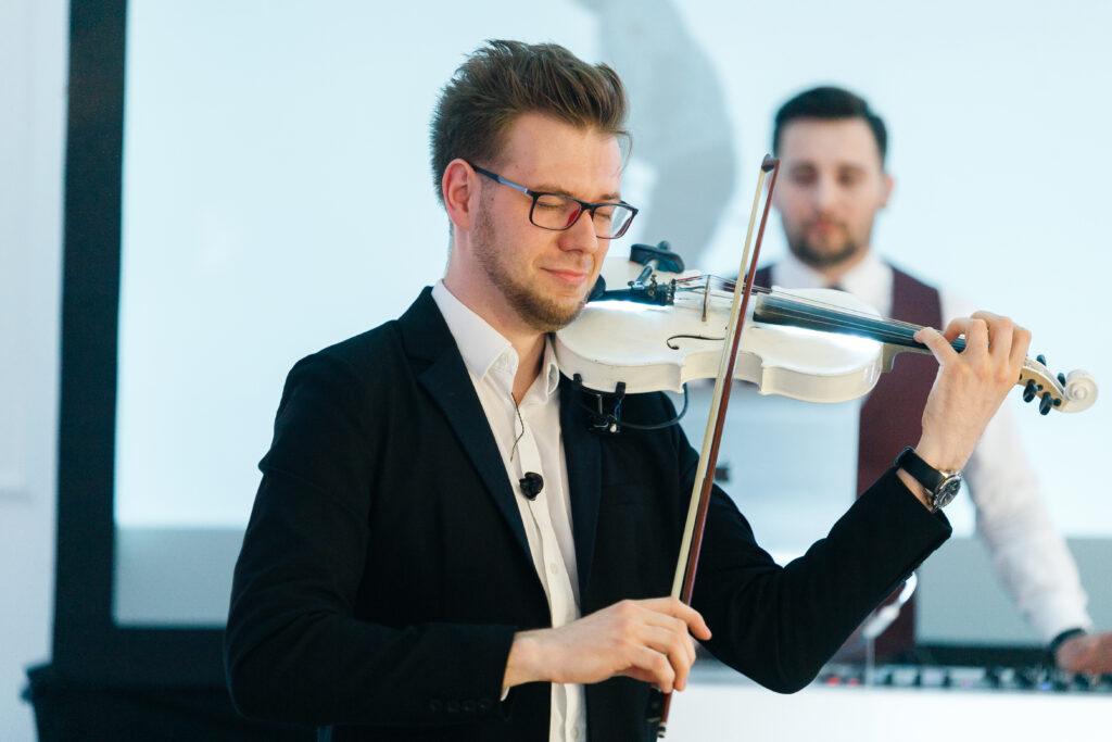 skrzypek i dj na weselu